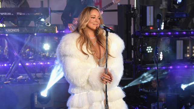 Mariah Carey's NYE hot tea is the first meme of 2018