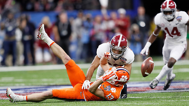 CFP semifinal: Baker Mayfield's status adds intrigue to Monday's game