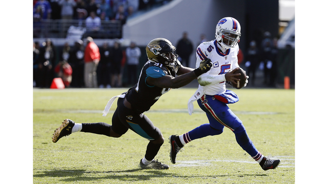 Jaguars defensive end accuses Richie Incognito of using racial slurs during game