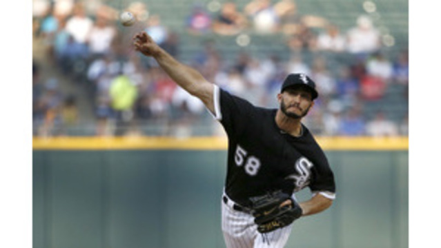 White Sox bring back P Gonzalez on one-year deal