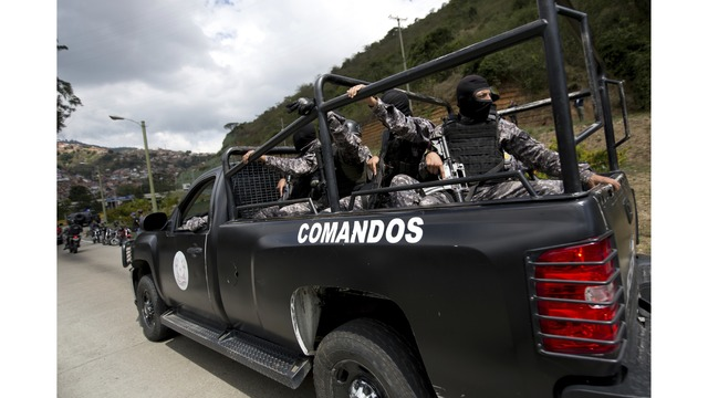 Venezuelan policemen killed in operation to catch helicopter attack organizer