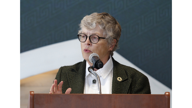 Students react to resignation of MSU president