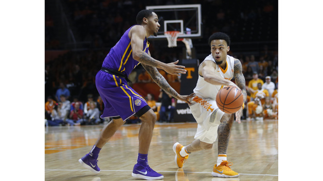 Vols jump to No. 15 in AP Poll