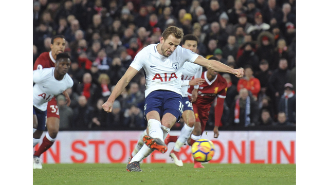 Kane scores late penalty, Spurs snatch 2-2 draw at Liverpool