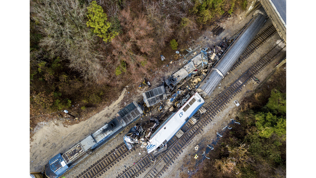 Amtrak train on wrong track in fatal S. Carolina crash