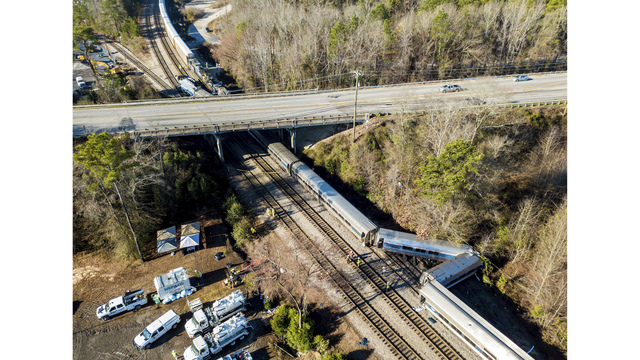 Crew tried to apply brakes before fatal SC train crash