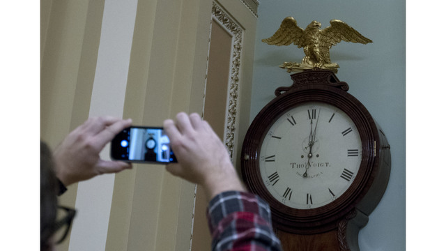 U.S. gov't shuts down as Congress fails to vote on budget
