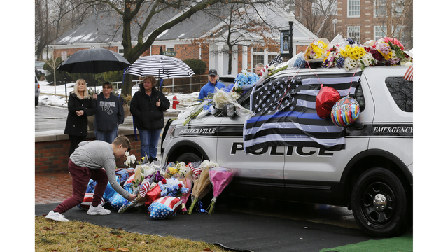OH  officers killed responding to 911 call, suspect held