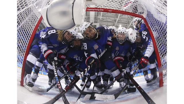US women beat Russia 5-0, early showdown with Canada next
