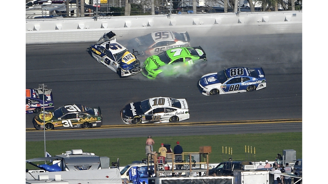 Multi-Car Wreck Ends Stage 1, Wipes Out Top Daytona 500 Contenders