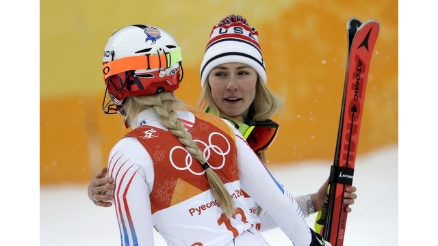 Lindsey Vonn settles for bronze and a fond farewell to golden career