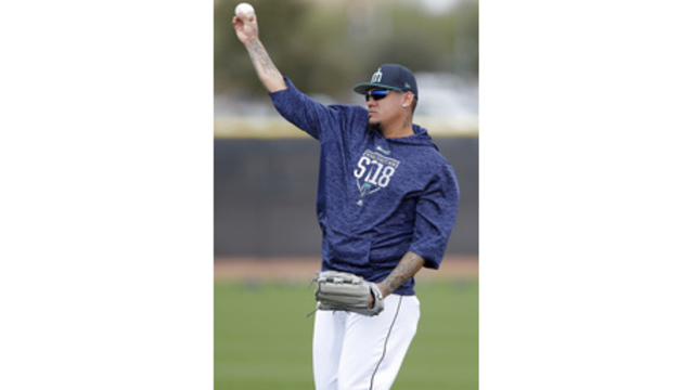 Felix Hernandez leaves first spring training start after taking comebacker to arm
