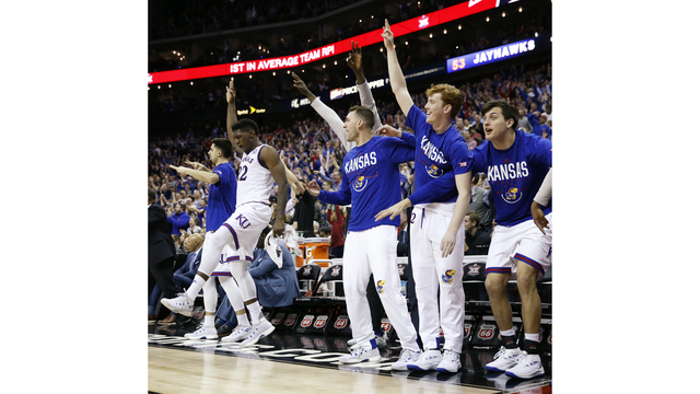 No. 1 seed Kansas No. 2 Duke on collision course in Midwest