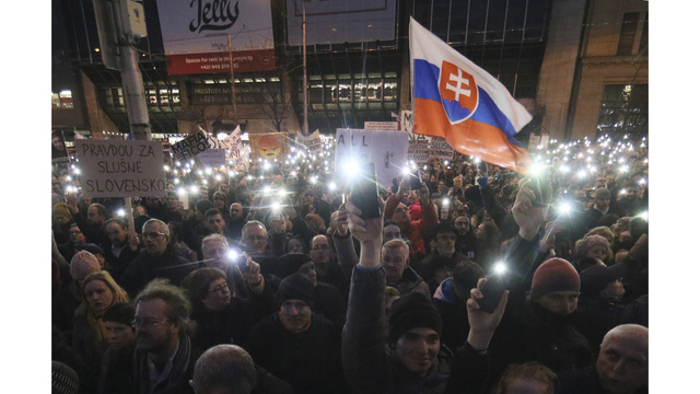 Slovak leader clings on as coalition cracks over murder of reporter
