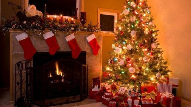 celebrities who were christmas babies - Celebrities Christmas Decorated Homes
