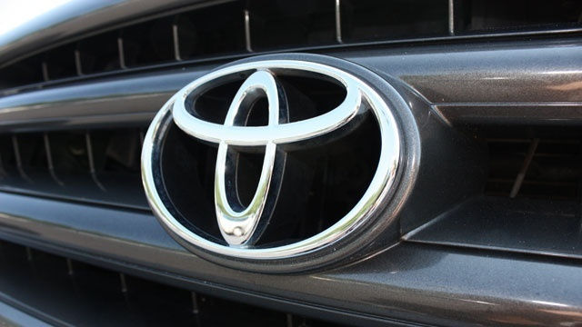 Toyota adds 601,000 vehicles to Takata air bag recalls
