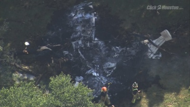 4 dead in Texas plane crash