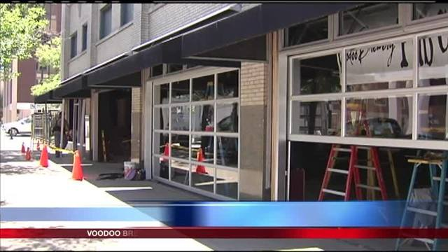 Garage doors on new brewery in Boston Store causing controversy & Garage doors on new brewery in Boston Store causing stir - YOURERIE