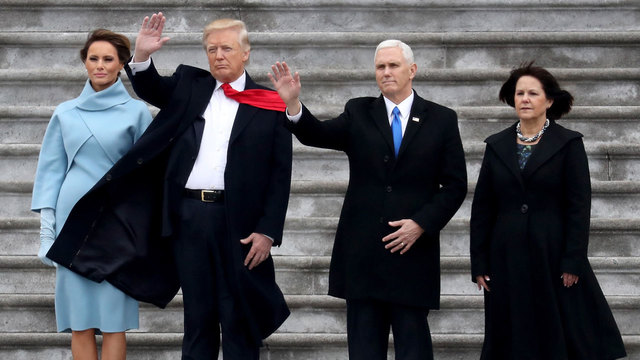 Donald Trump and Mike Pence wave to Marine One from Capitol steps89706936