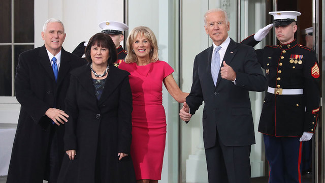 The Bidens welcome the Pences to White House27187548