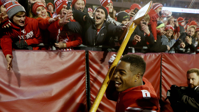Happy Fans 14 Wisconsin.jpg47894342