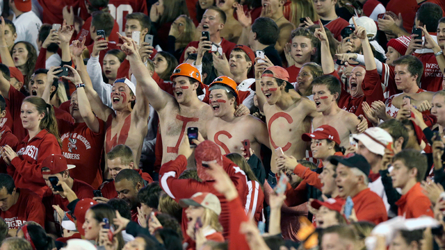 Happy Fans college football fans.jpg86503321