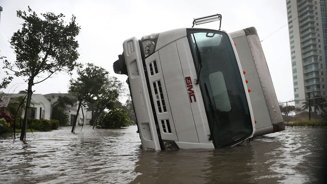 ComEd Sends 200 Crews for Restoration Assistance and Recovery in Florida