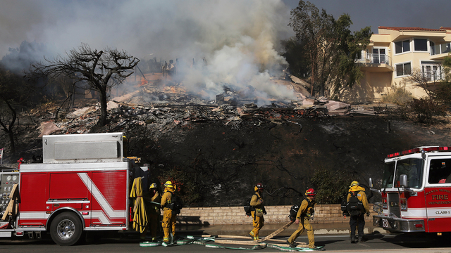 Thomas Fire in California Dec 5 House Destroyed.jpg29896761