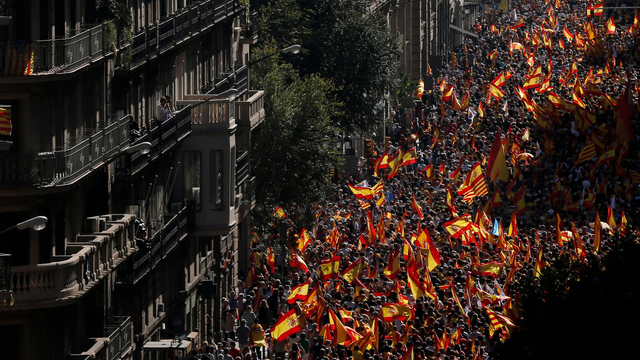 catalan_marchers_1513111693184.jpg06202909