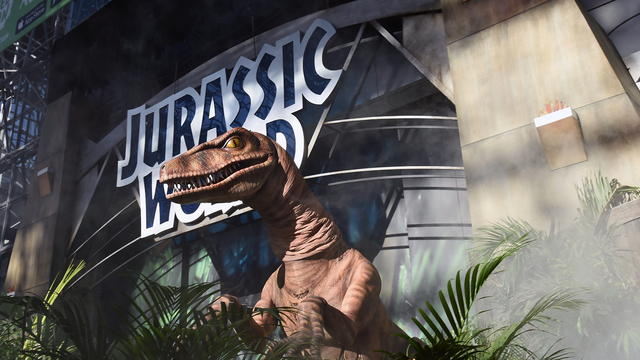 Jurassic World exhibit.jpg54950443