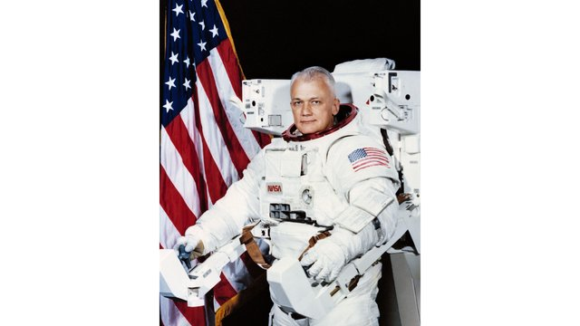 Bruce McCandless, first astronaut to float untethered in space53122856