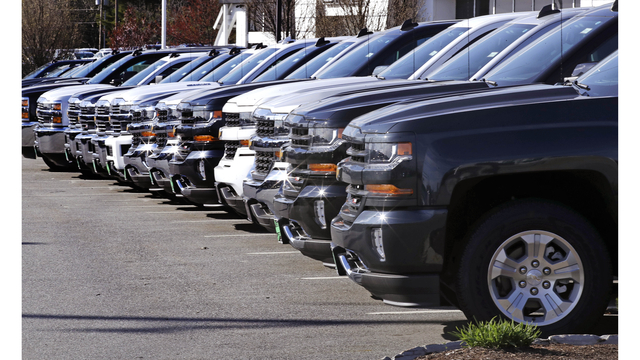 US auto sales dropped in 2017, but remain strong