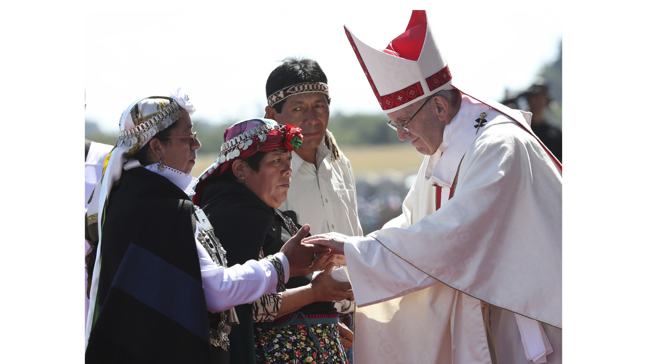 The Latest Pope Marries Couple On Papal Plane In Chile