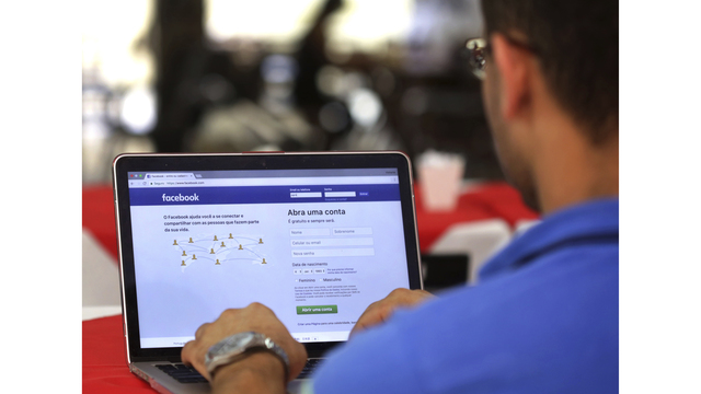 Facebook testing 'downvote' button