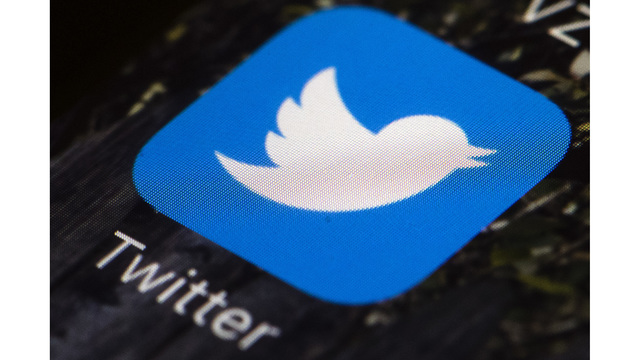 Twitter bots share two-thirds of links to popular websites