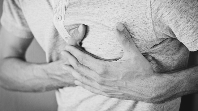 What triggers a heart attack? 6 early warning signals