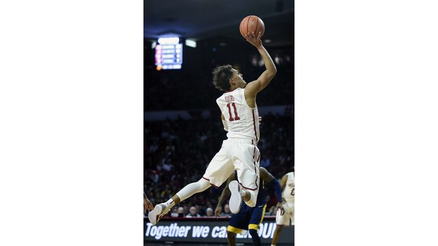 1698f5a7b619 Oklahoma freshman Trae Young revels in role of hometown hero