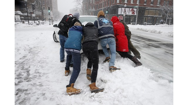 Shovels, snowblowers tools of choice for nor'easter cleanup