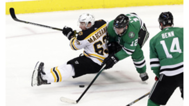 Pastrnak scores with 12 seconds left to lift Bruins
