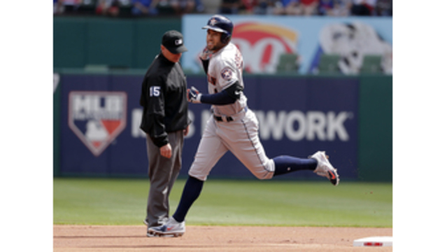Astros Use Bizarre 4-Player Outfield vs. Rangers on Opening Day