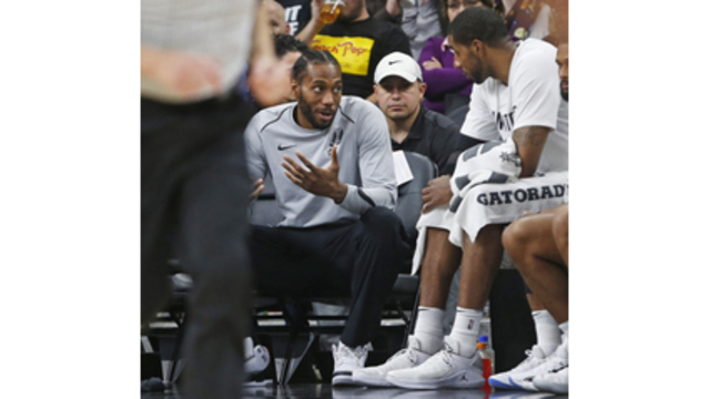 Kawhi Leonard returns to NY for rehab