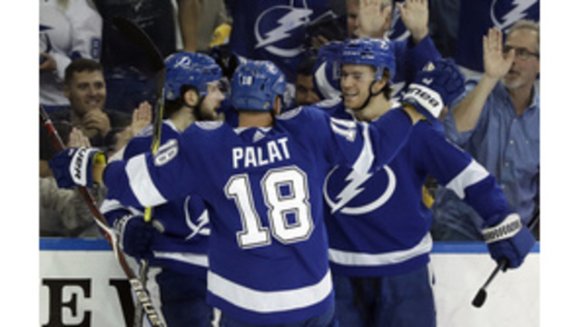 Lightning beat 4-0 Bruins; teams tied for division lead