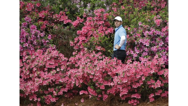 Rory McIlroy Chips in for Eagle at the Masters