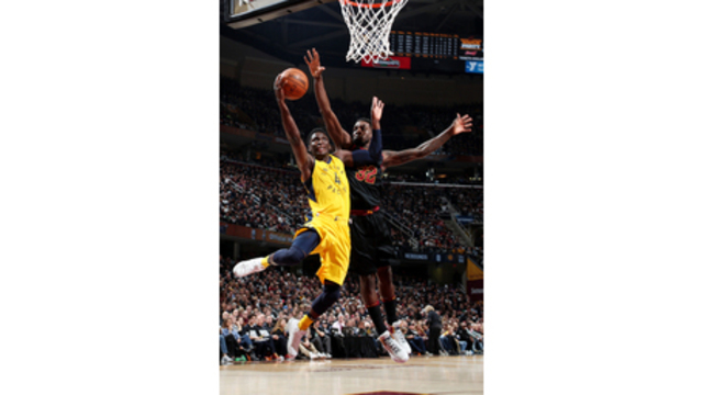 Victor-y Oladipo scores 32 as Pacers stun LeBron Cavs