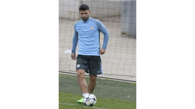 City's Aguero on mend after knee surgery