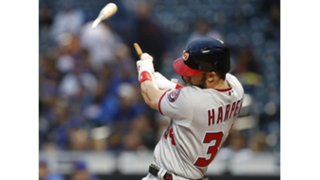 Bryce Harper hits broken bat home run