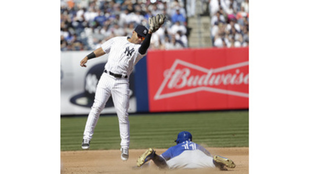 Yankees hold off Blue Jays for 4-3 win