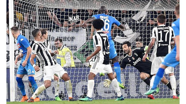 Last-gasp Koulibaly gives Napoli victory over Juve