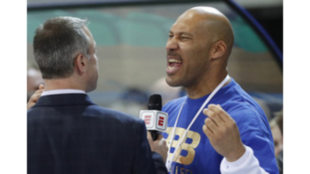 LaVar Ball pulling sons early from Lithuania