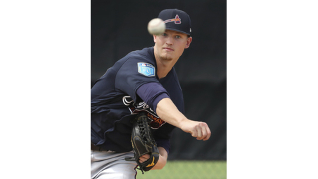 Braves recall top prospect Soroka to start Tue